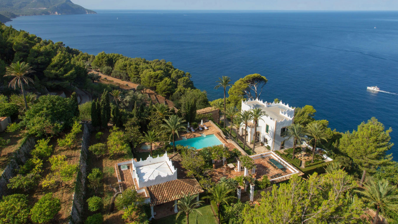 Michael Douglas narrates real estate video for his <br>S'Estaca estate for sale in Mallorca