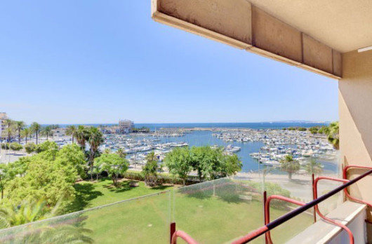 Affordable apartment for sale in trendy Portixol, Palma