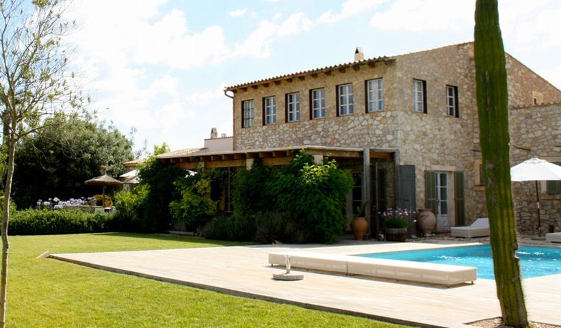 Stunning and majestic country house for sale in Artà