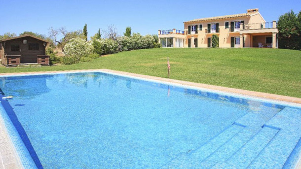 Stately finca for sale in very private location near Lluchmajor