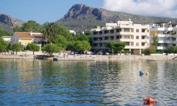Frontline apartment for sale Puerto Pollensa