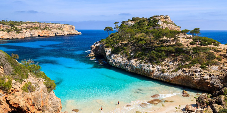 Golden beaches sparkling seas Mallorca