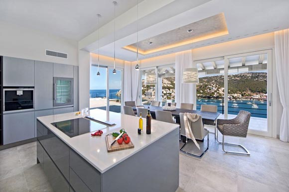 luxury-villa-for-sale-in-puerto-andratx-kitchen