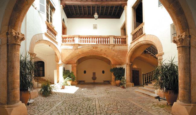Patios Palma Old Town