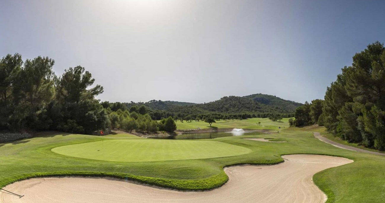 Playing golf in Mallorca