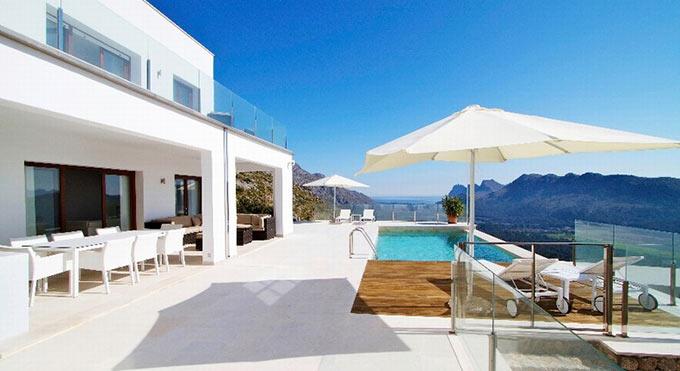 Villas for sale in Pollensa also offer sensational sea views