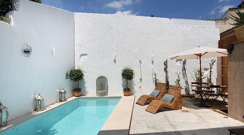Pool Patio Mallorca