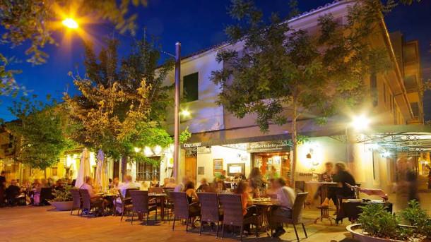 Santa Catalina Neighborhood to live