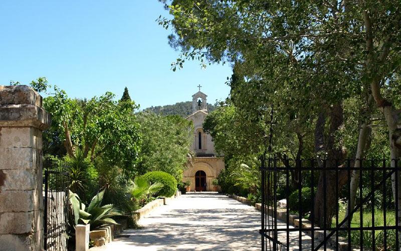 The delightful Subach chapel