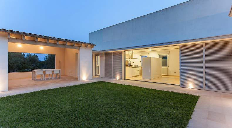 Contemporary design at its finest: villa for sale in Pollensa