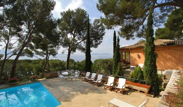 Enchanting setting – sea view villa for sale in Formentor, Pollensa