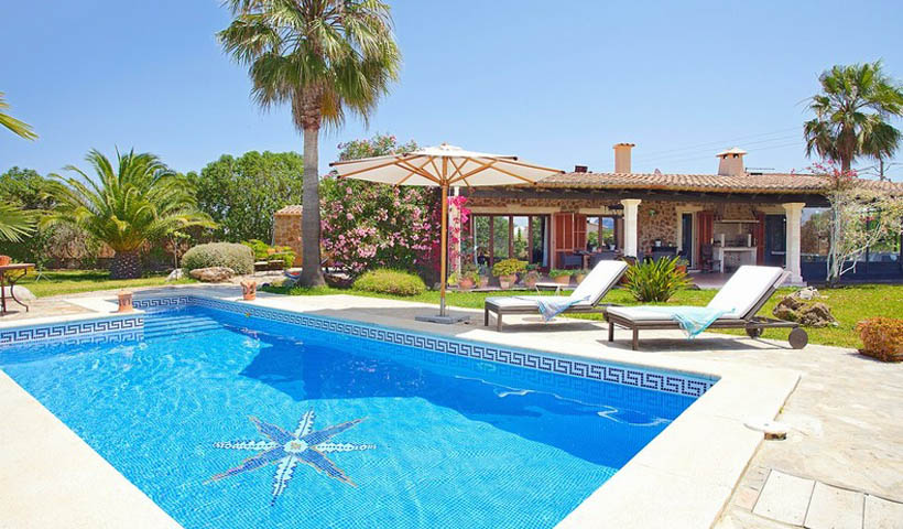 Delightful country house for  sale in Pollensa