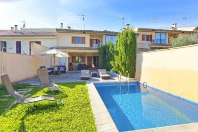Modern townhouse for sale in Moscari, Mallorca