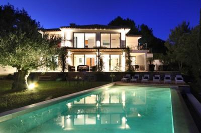 Property Mallorca: Modern villa for sale in the North of the island, close to Pollensa.