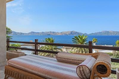 Exclusive property for sale with sea views in the privileged area of Bonaire, Alcudia, Mallorca
