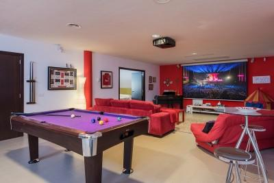 Entertainment room