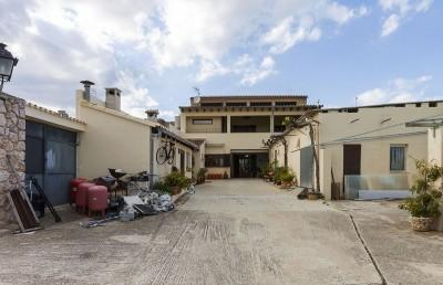 Townhouse for sale in the village of Moscari, Mallorca