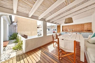 Renovated apartment just seconds from the beach for sale in Puerto Pollensa, Mallorca