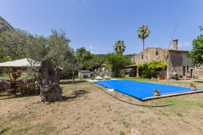Rustic stone finca ideal for renovation for sale near Pollensa, Mallorca