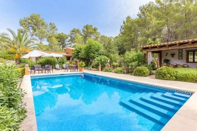 Country house with holiday rental license for sale near Alcúdia, Mallorca