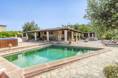 Country property for sale near Selva, Mallorca