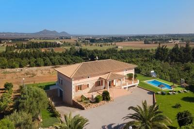 Villa with coveted ETV license and pool for sale in Muro, Mallorca