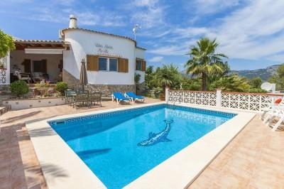 Villa with rental license and lovely views for sale near Campanet, Mallorca