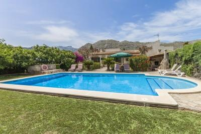 Countryside villa for sale in Pollensa, Mallorca