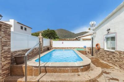 Villa with ETV rental license for sale in Puerto Alcúdia, Mallorca