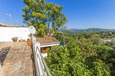Spacious town house for sale in Campanet, Mallorca