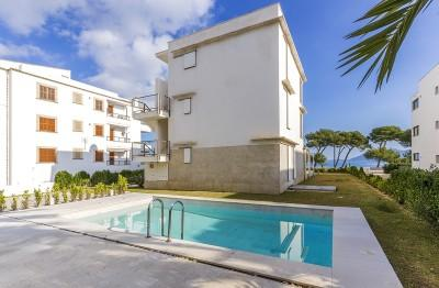 Frontline apartment with beautiful sea views for sale in Puerto Pollensa