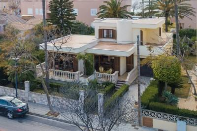Four bedroom villa near the beach for sale in Puerto de Alcúdia, Mallorca