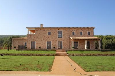 Impressive newly built finca less than 5 minutes from town for sale in Santa Maria del Cami