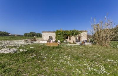 Charming villa situated at a short distance from town for sale in Pollensa, Mallorca