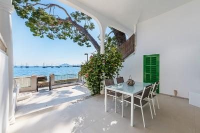 Frontline town house for sale on the promenade of Puerto Pollensa, Mallorca