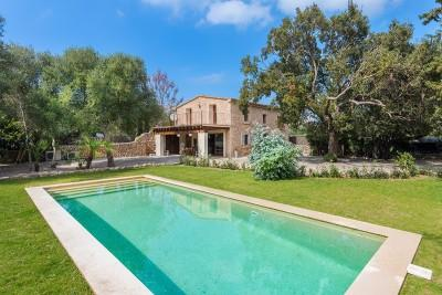 Beautiful detached villa with pool for sale in La Font, Pollensa, Mallorca