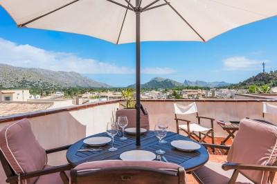 Traditional town house for sale in the centre of Pollensa town, Mallorca