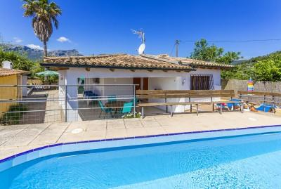 Three bedroom villa with holiday license for sale in Pollensa, Mallorca