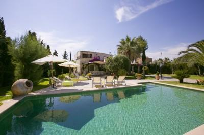 Wonderful finca with ETV license for sale in Puerto Pollensa, Mallorca