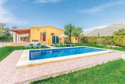Charming countryside villa with holiday rental license for sale in Pollensa, Mallorca