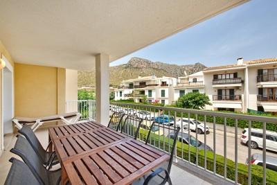 Four bedroom apartment for sale in a residential building near the sea in Puerto Pollensa, Mallorca