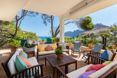 Impressive villa just a few metres from the beach in Cala San Vicente, Pollensa, Mallorca