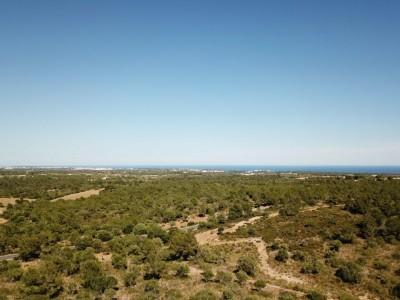 Magnificent rustic finca with sea and mountain views for sale near the Rafa Nadal Sports Academy