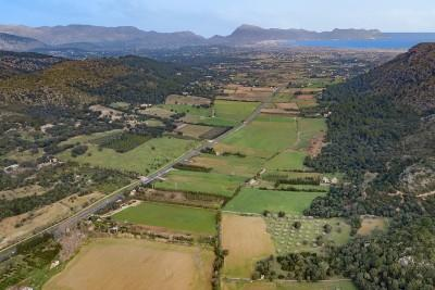84.000m2 of land for sale, about 5 minutes away from the bay of Alcúdia, Mallorca