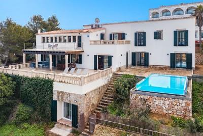 Magnificent frontline villa for sale in Porto Colom, Mallorca