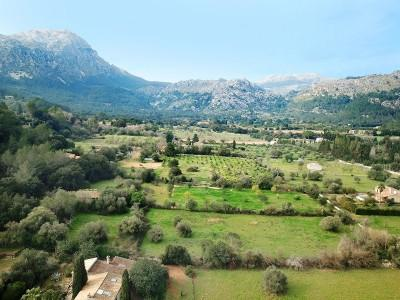Rustic finca in need of renovation for sale near Pollensa, Mallorca