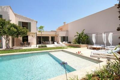 Outstanding villa with pool for sale in Pollensa, Mallorca