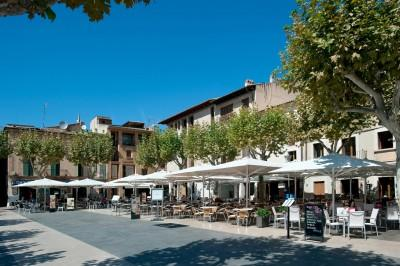 Pollensa Town Square Daytime