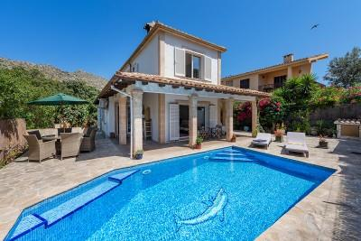Super villa for sale close to the beach in Cala San Vicente, Mallorca