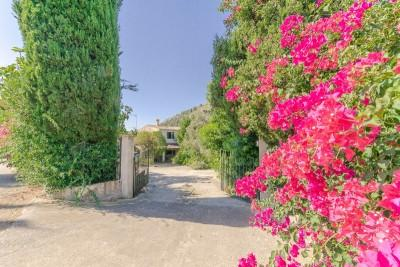 Charming property in need of renovation near Alcudia, Mallorca